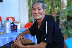 Vợ chồng nghèo mất con trai duy nhất khi cứu cô gái tự tử