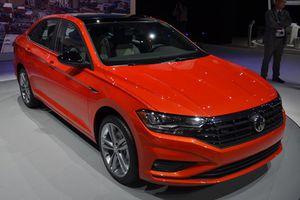 Volkswagen Jetta 2019 'chốt giá' 442 triệu đồng cạnh tranh Mazda3