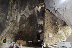 Ngôi chùa Thiên Tạo độc đáo và bí ẩn hang động khổng lồ trong lòng núi Nghệ An