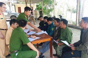 Nghệ An: 7 tàu 'cát tặc' bị bắt giữ