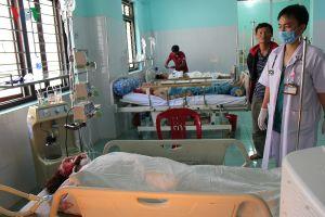 Xe cứu thương va chạm liên hoàn, 3 người chết, 3 bị thương