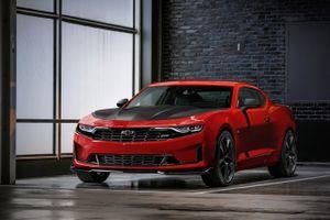 Chevrolet Camaro 2019 lộ diện với thiết kế ấn tượng