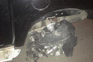 Hà Nội: Lái xe ô tô gây tai nạn kinh hoàng, kéo lê nạn nhân 'hàng trăm mét'