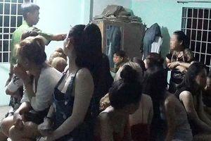 Hàng chục nam nữ phê ma túy trong bar Vertu ở TP.HCM