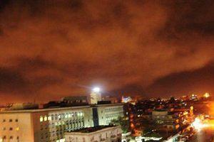 Mỹ và đồng minh đồng loạt dội tên lửa Syria