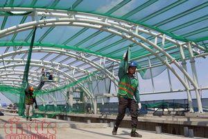 Cận cảnh thi công nhà ga và lắp ráp mái vòm tuyến metro Bến Thành - Suối Tiên