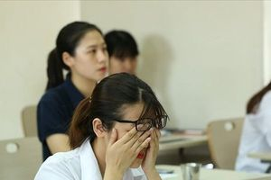 Cứ 5 học sinh có 1 em có ý định tự tử: Áp lực học hành lớn thế nào?