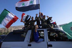 Hình ảnh: Người dân Damascus đổ ra đường ăn mừng sau chiến công của quân đội Syria
