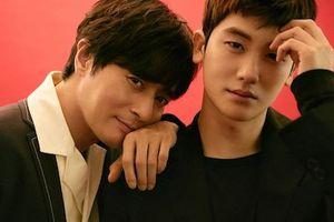 Jang Dong Gun đẹp lấn át đàn em Park Hyung Sik trên bìa tạp chí