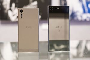 Bảng giá điện thoại Sony tháng 2/2018: Xperia XZ Premium và XZs giảm giá mạnh trước Tết