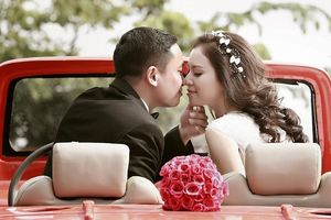 Chú rể thấp tạo dáng thế nào để có ảnh cưới đẹp lung linh?