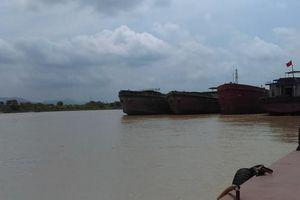 Hải Dương: Liên tục phát hiện, bắt giữ bắt tàu khai thác cát trái phép