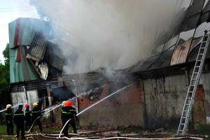 Cháy công ty may mặc ở Sài Gòn