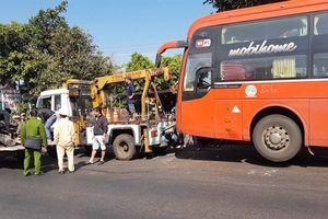 Đắk Lắk: Xe khách tông xe máy, 2 cha con tử vong