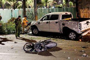 Vụ xe bán tải húc hàng loạt xe máy, 2 người chết: Tài xế đạp nhầm chân ga?