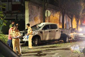 TP.HCM: Ô tô tông hàng loạt xe máy dừng đèn đỏ, 2 người chết thảm