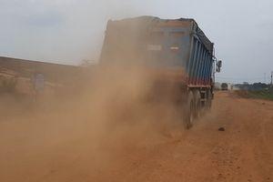 Tây Ninh: Nhức nhối nạn xe quá tải chở cát 'cày nát' đường giao thông quanh hồ Dầu Tiếng