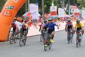 Chặng 23 giải xe đạp Cúp Truyền hình TP.HCM: Áo xanh Lê Nguyệt Minh lần thứ 6 thắng chặng