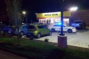 Người đàn ông không mặc quần xả súng khiến 4 người chết ở Mỹ