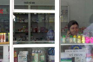 Vụ bán thuốc hết hạn: Quản lý quầy thuốc lỏng lẻo như thế nào?