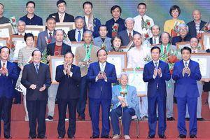 Phát triển nền kiến trúc Việt Nam bản sắc và hiện đại