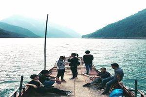 Gần Hà Nội có một điểm du lịch thơ mộng ít người biết tới
