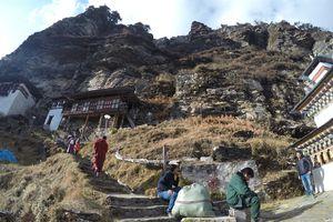 'Vương quốc hạnh phúc' Bhutan, băn khoăn giữa miền tiên cảnh