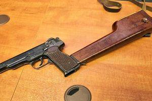 Kỳ dị thiết kế súng ngắn liên thanh đầu tiên do Liên Xô
