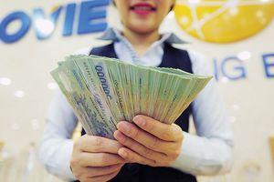 Lãi lớn, nhân viên ngân hàng kỳ vọng nhận thưởng 'đậm' cuối năm