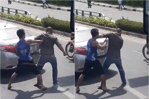 Một VĐV Muay Thái đánh người ngay trên đường phố sau va chạm giao thông?