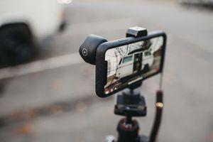 Moment ra mắt vỏ bảo vệ hỗ trợ gắn ống kính cho iPhone X
