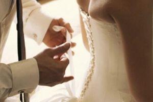 Hứng khởi bắt đầu đêm tân hôn, tôi mới biết được sự thật đắng ngắt