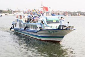 Đưa vào khai thác tàu phục vụ hành khách ra vào đảo Cồn Cỏ
