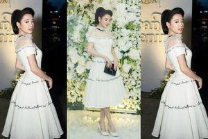 'Bỏ mặc' Trường Giang, Nhã Phương diện đầm trắng xinh như công chúa 'lẻ bóng' đi sự kiện