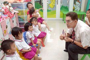 Dạy tiếng Anh cho trẻ mầm non: Phụ huynh chưa hưởng ứng