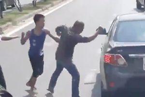 Võ sĩ Muay Thái gây náo loạn giao thông ở Sài Gòn: Tung cước để... tự vệ?