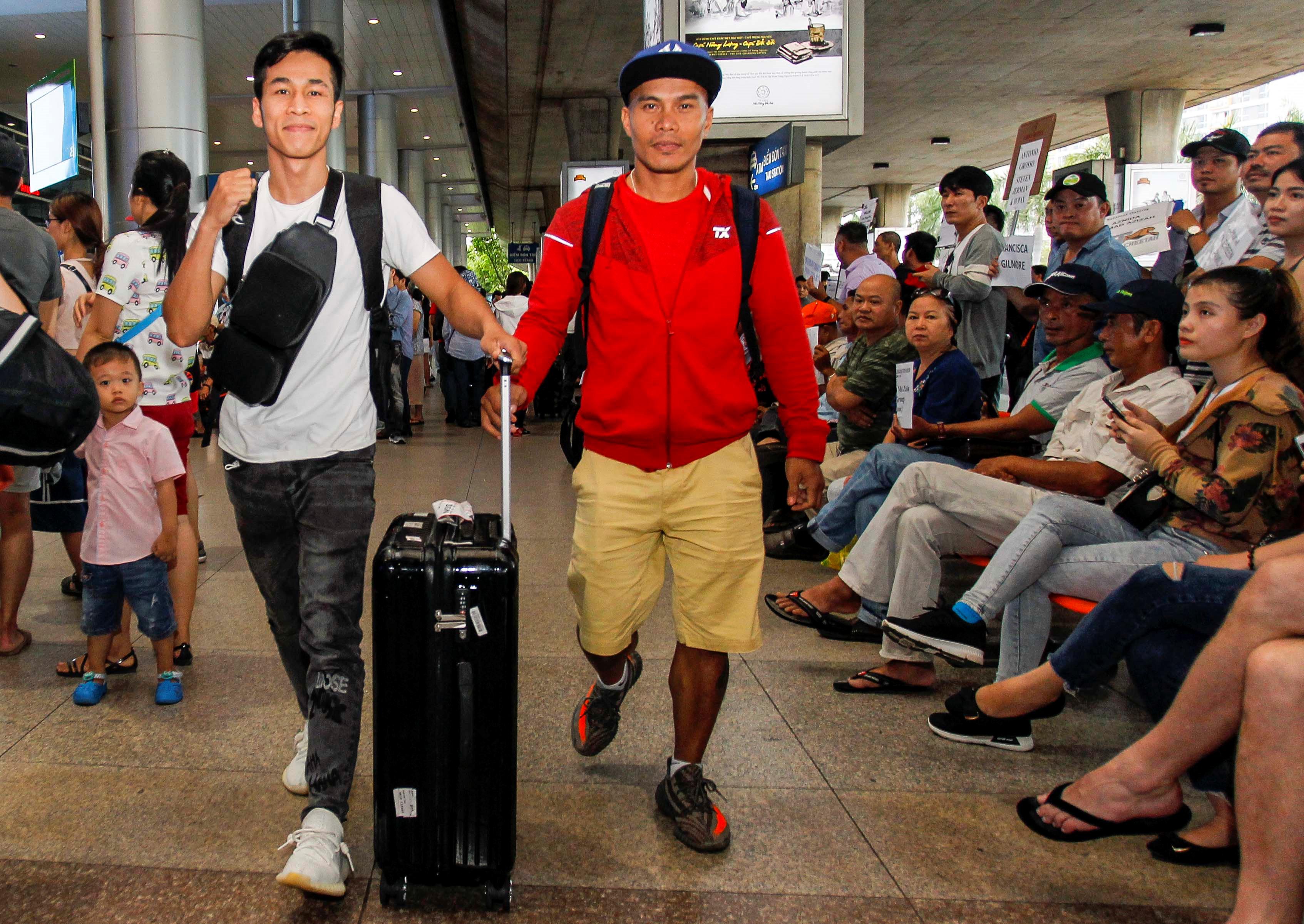 Chiến thắng nhà vô địch Thái Lan, Trần Văn Thảo rạng rỡ ngày trở về