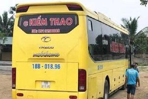 Nghệ An: Phát hiện hơn 1 tấn pháo lậu trên xe khách