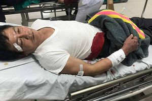 Bị chém đứt gân tay sau va chạm giao thông, người đàn ông đề nghị CQCA làm rõ