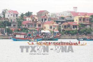 Nô nức lễ hội đua thuyền truyền thống trên sông Nhật Lệ