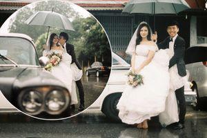 Rước dâu cực 'chất' ngày mưa gió: Dàn xế cổ trong lớp mưa bay khiến dân tình trầm trồ