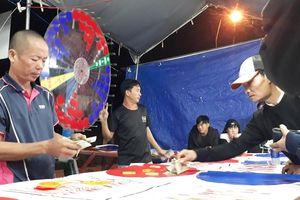 Bắt 9 đối tượng tổ chức đánh bạc trong Hội chợ Thương mại Tây nguyên