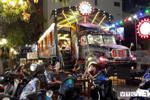 Cận cảnh quán cà phê container 'độc nhất vô nhị' ở Sài Gòn