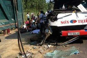 Ôtô khách va chạm xe tải, 2 trẻ em thiệt mạng