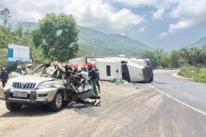 Lộ nguyên nhân xe container lật đè 2 người tử vong