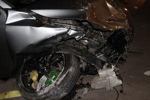 Xe 'điên' tông hàng loạt xe máy ở Biên Hòa, 6 người bị thương nặng
