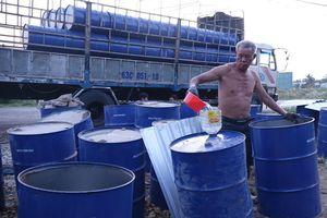 Hàng trăm thùng phuy dầu thải từ nhiệt điện bị xử lý sai