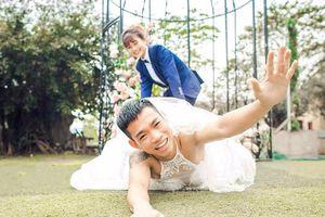 Ảnh cưới hoán đổi giới tính gây cười của đôi trẻ Ninh Bình