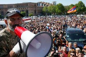 Trước 'đốm lửa cách mạng nhung' ở Armenia, vì sao Nga thận trọng?
