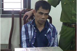 Con nghiện thủ 'hàng nóng' bị bắt cùng ba lô chứa 12 bánh heroin